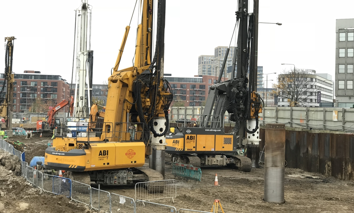 'Family Gathering' of Rigs at Woolwich, London