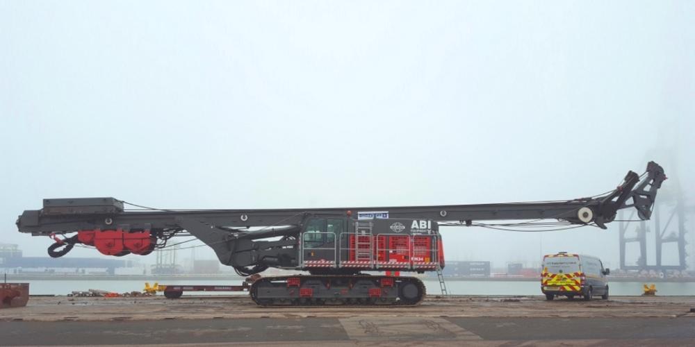 Delmag RH34 drilling rig at Tilbury Docks